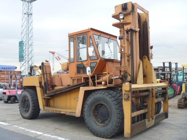 Xe nâng dầu Nhật Bãi 18- 25 tấn