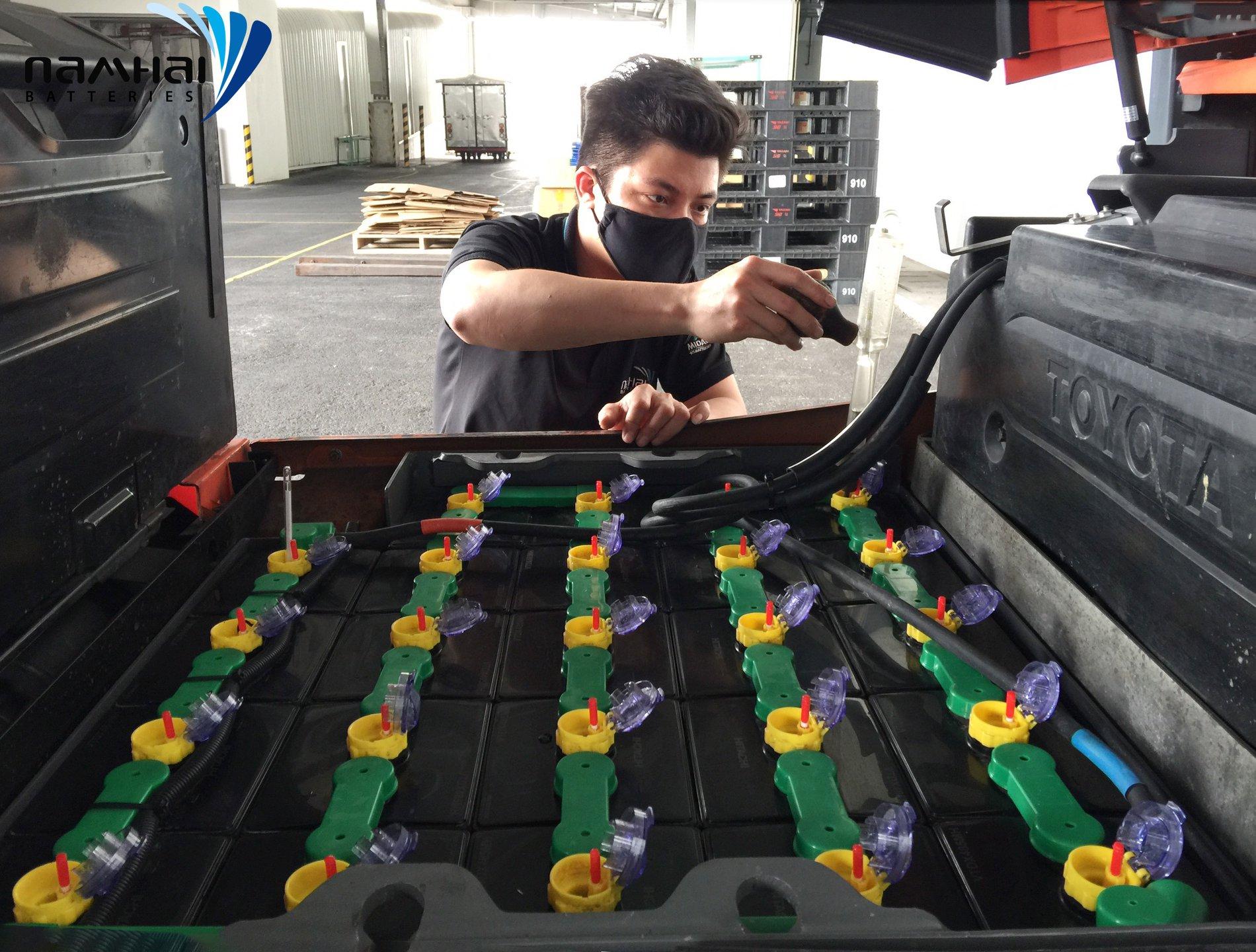 Quy trình thay dầu máy cho xe nâng- sửa xe nâng dầu